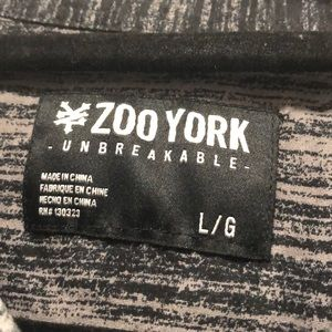 Zoo York Shirts - Zoo York Men's Large Shortsleeved Shirt